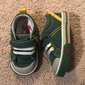 5/$15- See Kai Run sneakers size 4